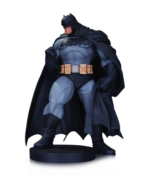 DC DESIGNER SERIES BATMAN BY ANDY KUBERT STATUE