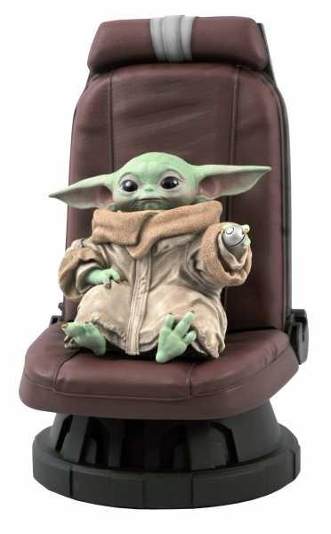 VORBESTELLUNG ! Star Wars The Mandalorian Child in Chair 1:2 Scale Statue