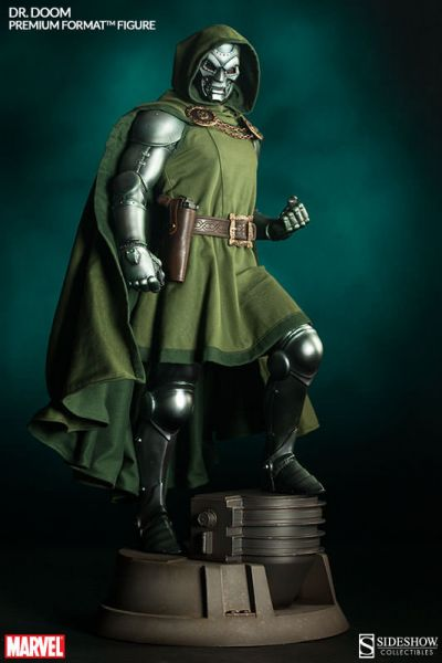 Marvel Comics Legendary Scale Statue Doctor Doom 127 cm