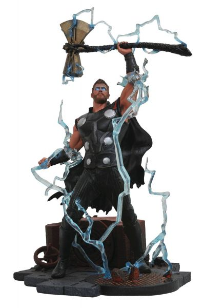 MARVEL GALLERY AVENGERS 3 THOR PVC STATUE-Beschädigte Verpackung