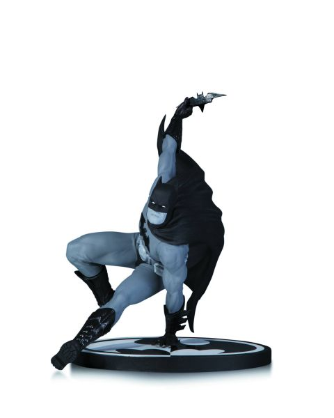 BATMAN BLACK AND WHITE STATUE BY BRYAN HITCH