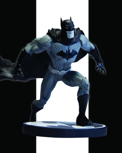 BATMAN BLACK AND WHITE STATUE NEW 52 BY JIM LEE