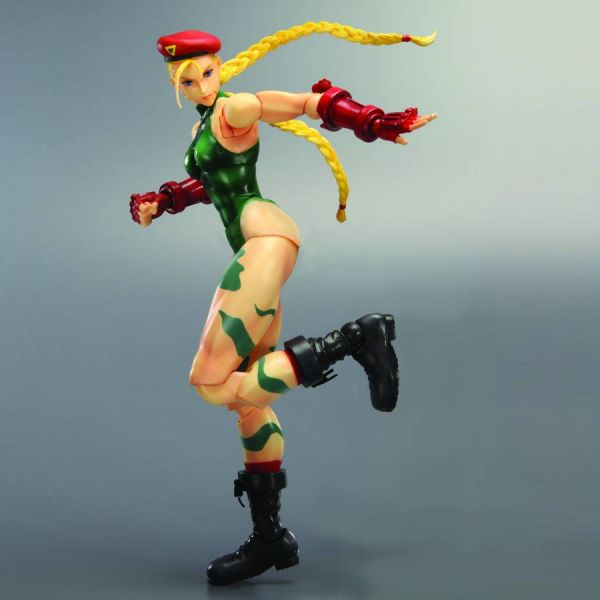 STREET FIGHTER IV PLAY ARTS KAI CAMMY ACTIONFIGUR