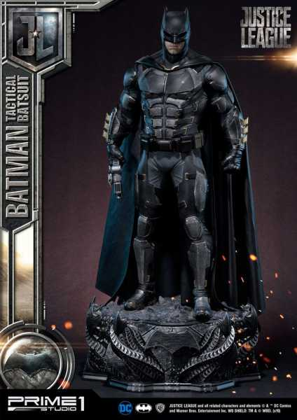 VORBESTELLUNG ! Justice League Batman Tactical Batsuit 88 cm Statue