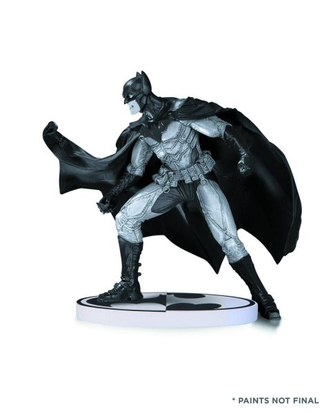 BATMAN BLACK & WHITE STATUE BY LEE BERMEJO 2ND EDITION