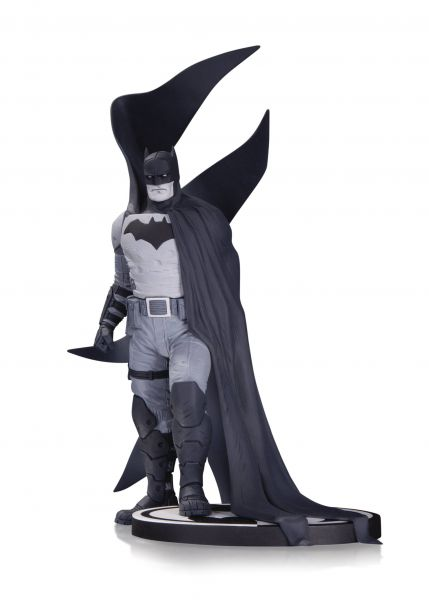 BATMAN BLACK AND WHITE STATUE BY RAFAEL ALBUQUERQUE
