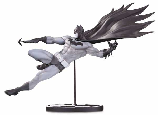 BATMAN BLACK & WHITE STATUE BY DOUG MAHNKE