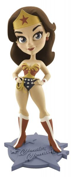 LYNDA CARTER WONDER WOMAN RETRO SUMMER EXCL VINYL FIGUR-