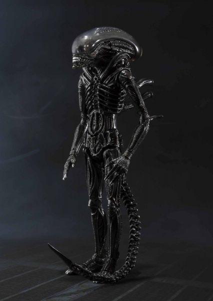 "Bandai Tamashii Nations S.H. Monsterarts Alien Big Chap ""Alien"""