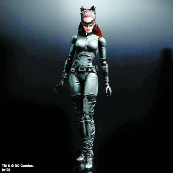 BATMAN DARK KNIGHT TRILOGY PLAY ARTS KAI CATWOMAN ACTIONFIGUR
