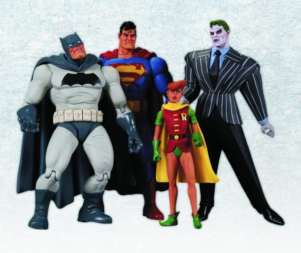 DARK KNIGHT RETURNS ACTION FIGURE BOX SET