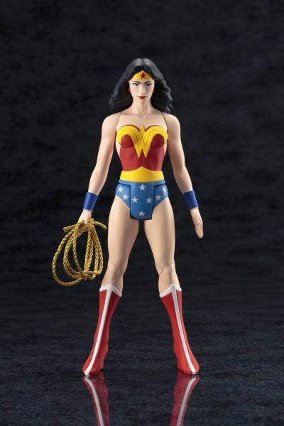 DC UNIVERSE WONDER WOMAN CLASSIC COSTUME ARTFX+ STATUE