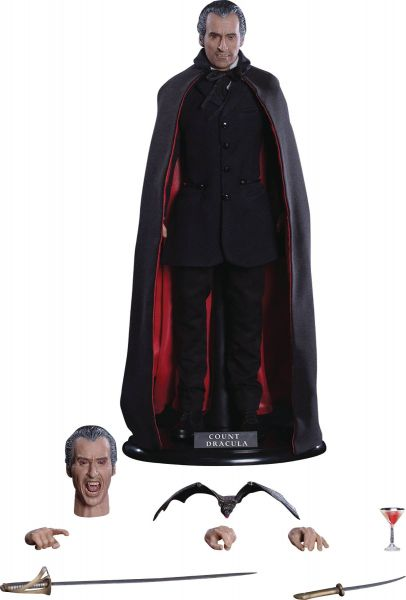 SCARS OF DRACULA CHRISTOPHER LEE COUNT DRACULA 1/6 ACTIONFIGUR