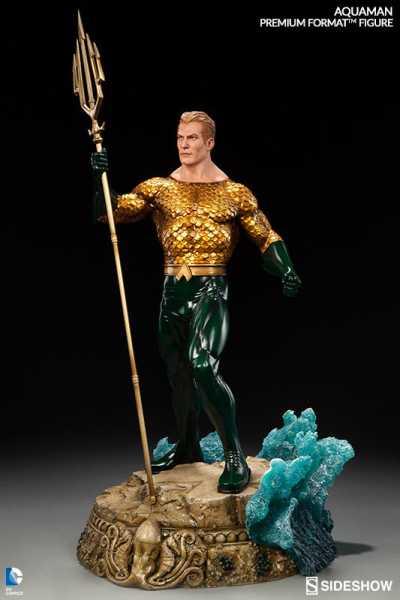 DC Comics Premium Format Figur Aquaman 61 cm